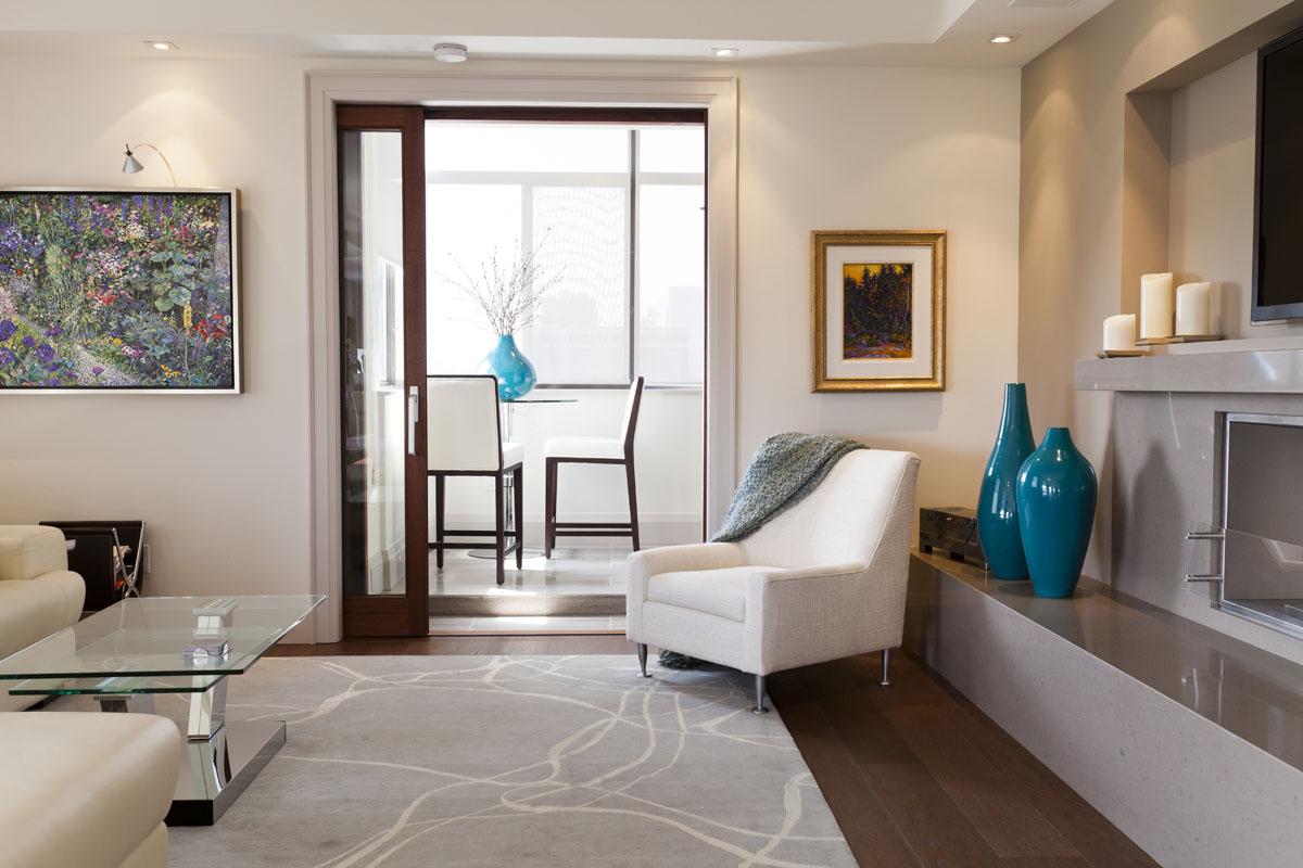 Home renovation image gallery toronto bkdp for Condo living room design