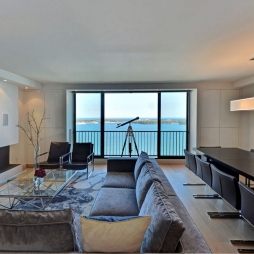 38 - LIVING ROOM